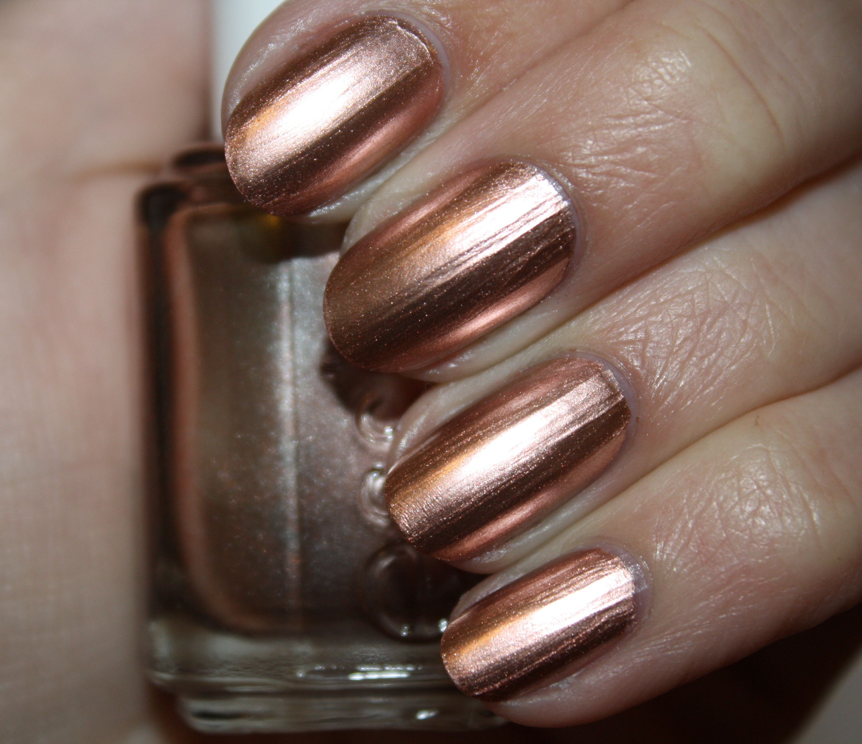 Essie Metallic Gold Nail Polish: SWATCH REVIEW: ESSIE – MIRROR METALLICS
